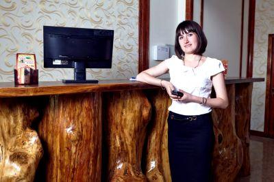 Стойка регистрации отеля Царевка фото